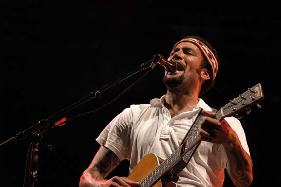 Ben Harper Live at Lollapalooza [GALLERY] 10