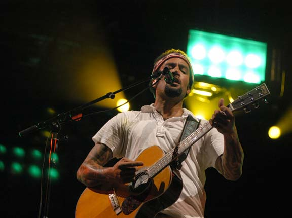 Ben Harper Live at Lollapalooza [GALLERY] 11
