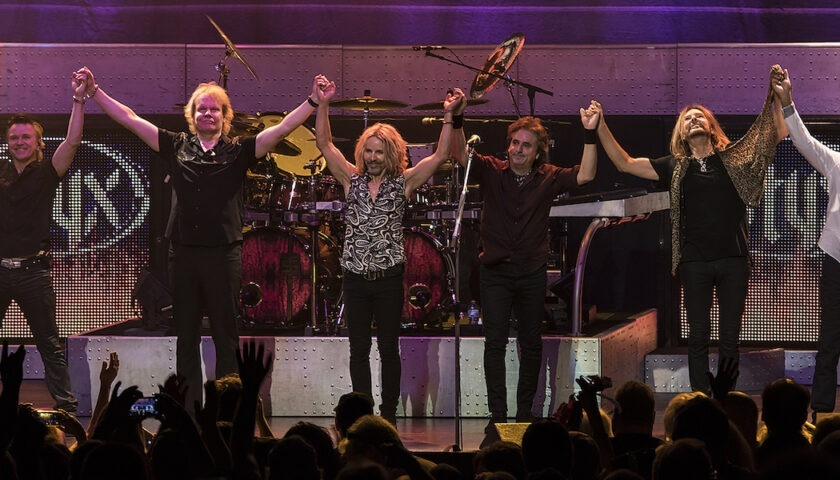 STYX Live at Coronado Performing Arts Center - Rockford, IL - 06/21/2016 - Photo © 2016 by: Rob Olewinski