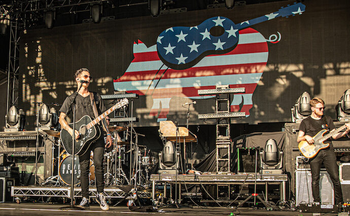 Devin Dawson Live at Windy City Smokeout [GALLERY] 2