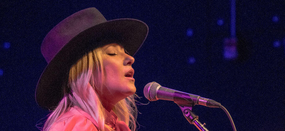 Anna Rose Live at Schubas [GALLERY] 1