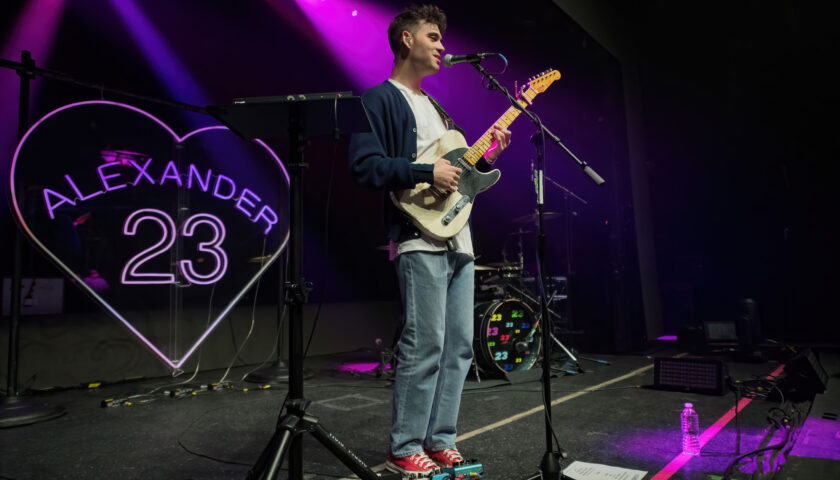 Alexander 23 reconnects with fans for memorable hometown performance 8