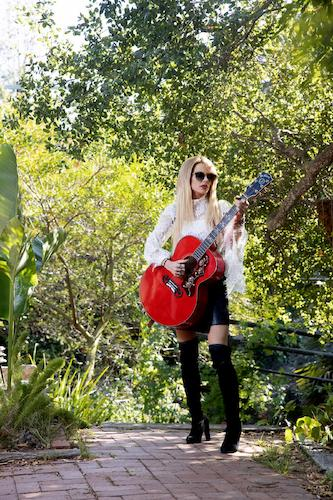 Gibson Announces Orianthi SJ-200 Acoustic Guitar in Cherry, Available Worldwide on Gibson.com 1