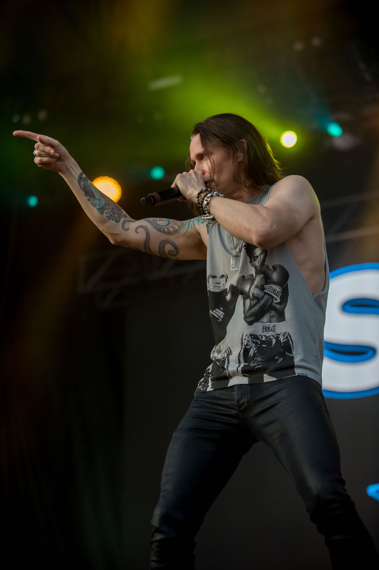 SLASH Featuring Myles Kennedy And The Conspirators Live at Lollapalooza [GALLERY] 15