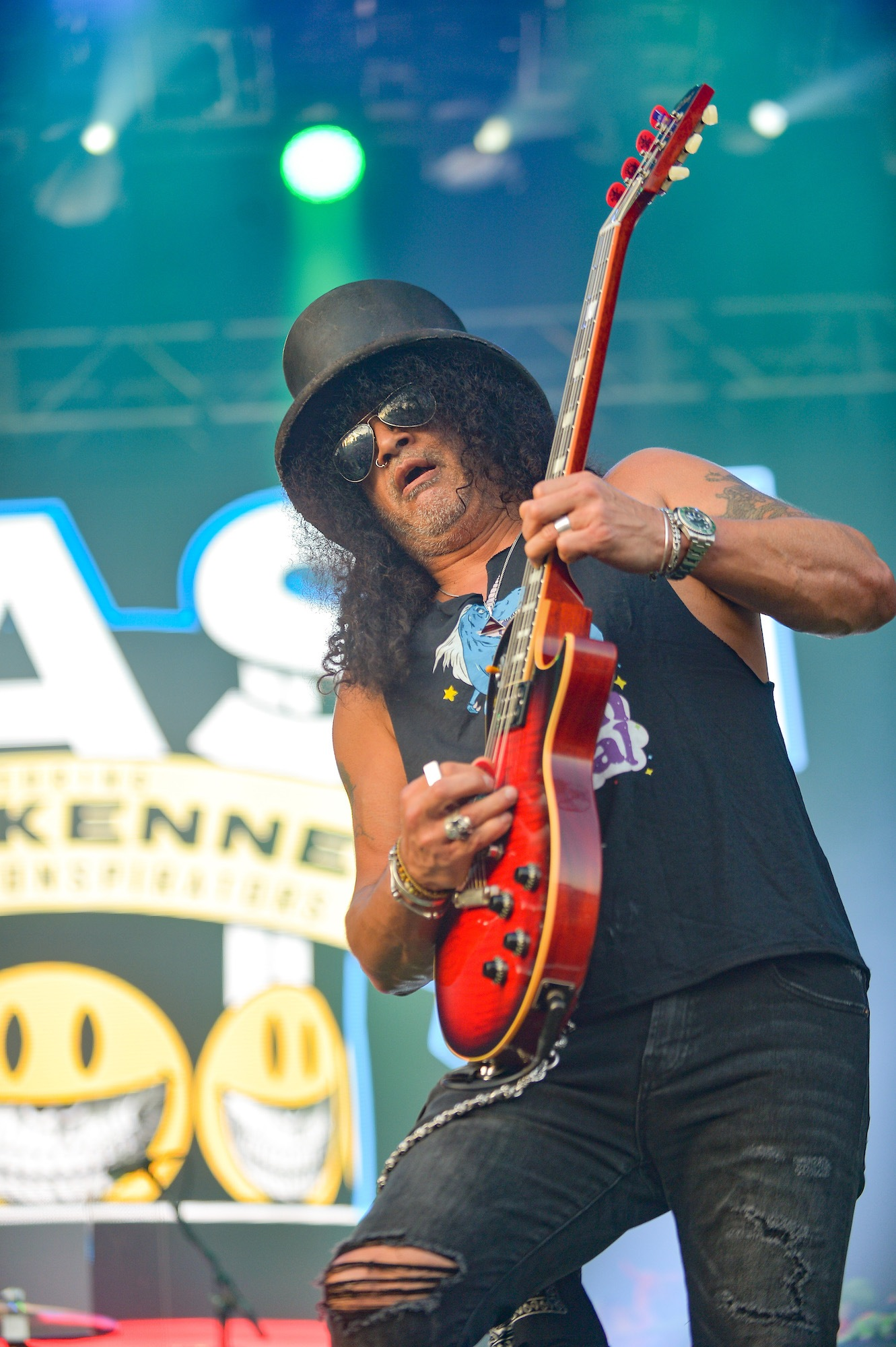 SLASH Featuring Myles Kennedy And The Conspirators Live at Lollapalooza [GALLERY] 13
