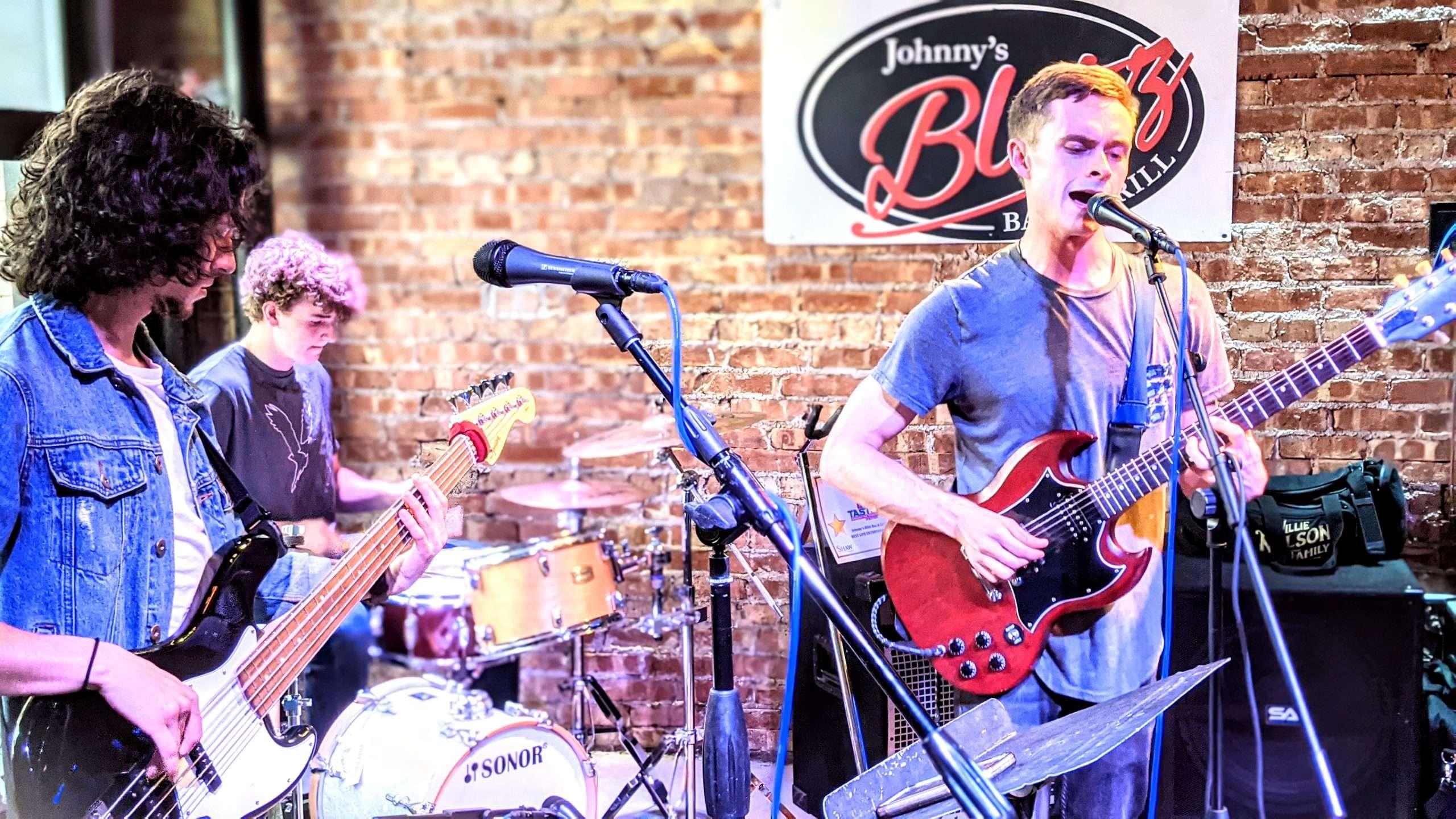 Brian's Open Mic Experiences At Johnny's Blitz Bar & Grill 8