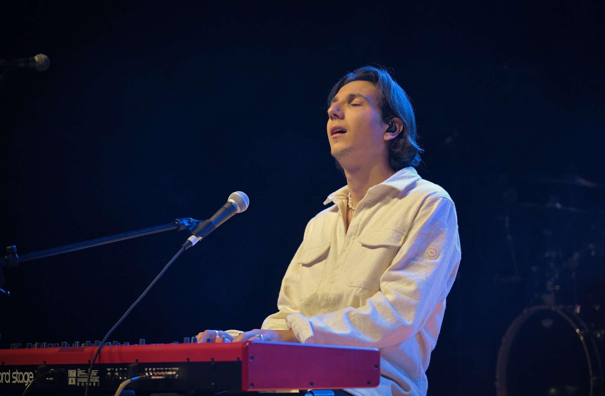 Anson Seabra Live at Riviera [GALLERY] 7